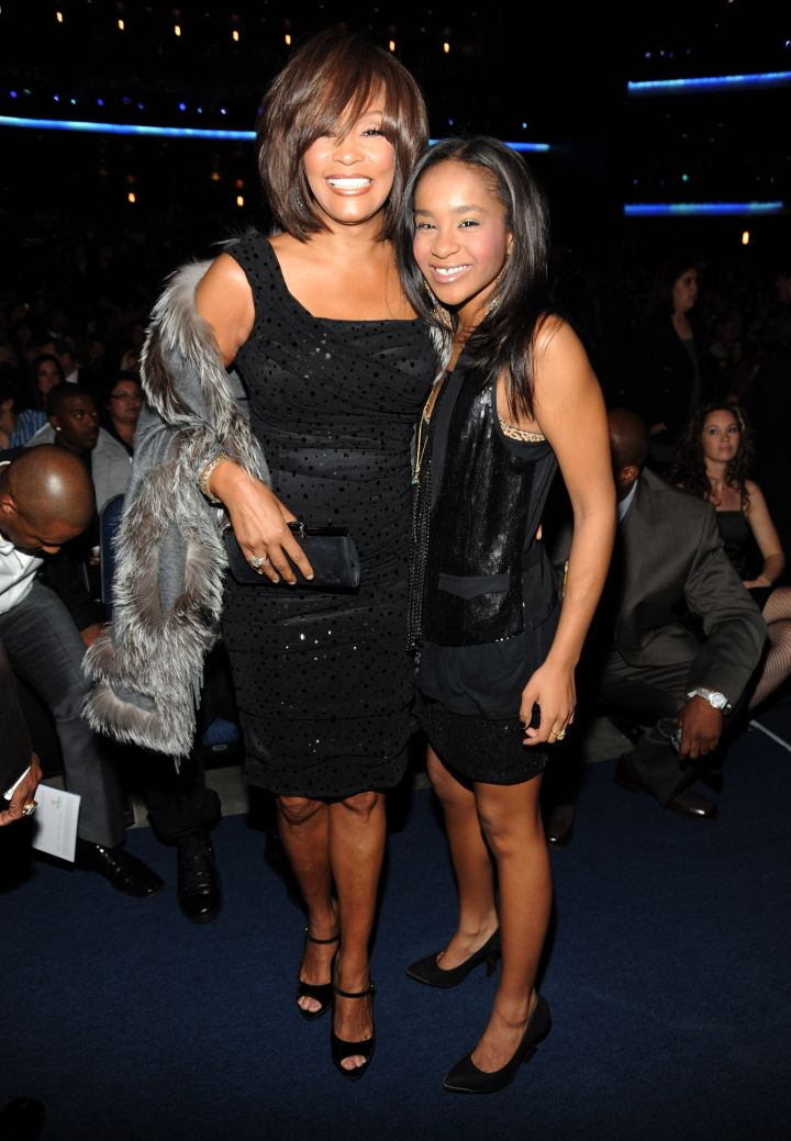 Bobbi and Whitney wore all black to the 2009 American Music Awards.