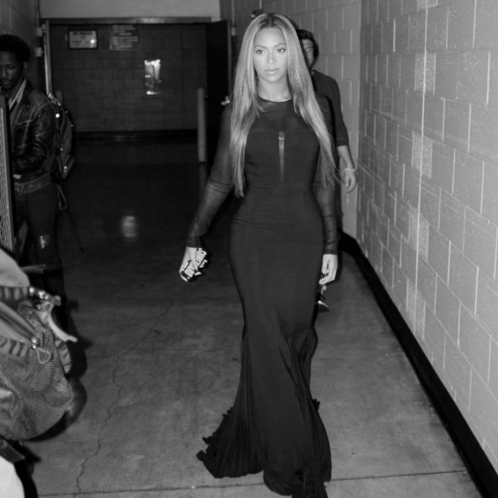 Beyonce is stunning before she takes the stage.