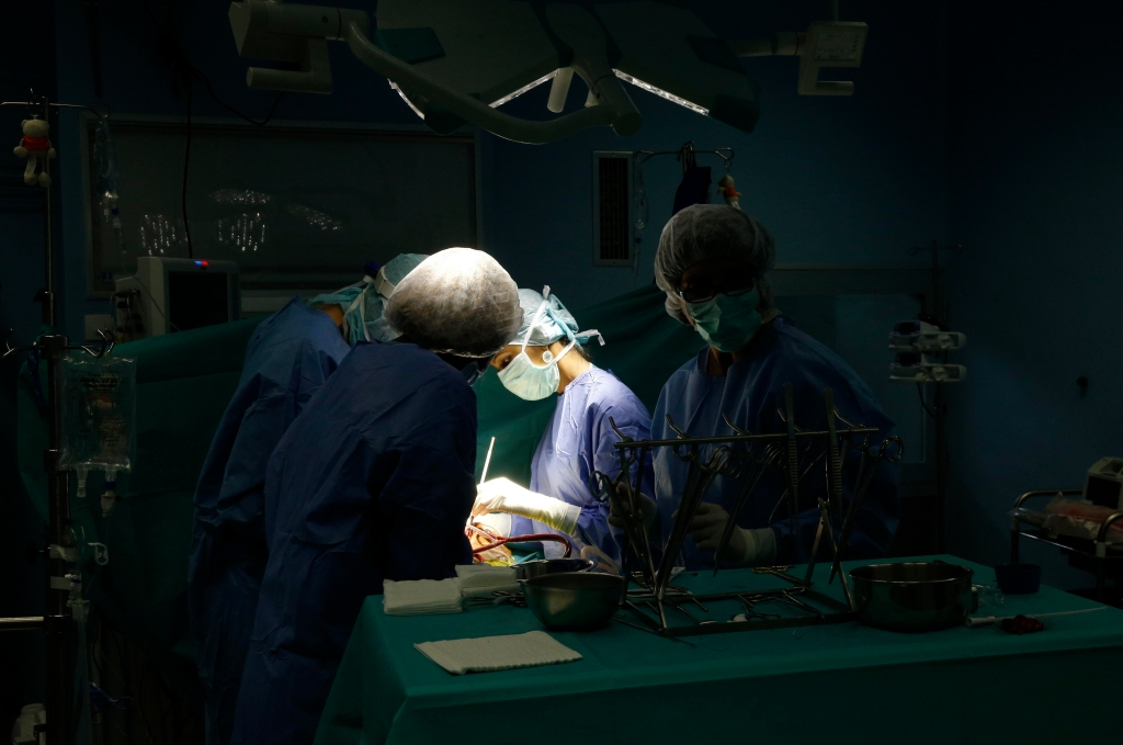 Brazzaville Hospital, NGO la Chaine de l'Espoir, Operating theater, Cardiac surgery