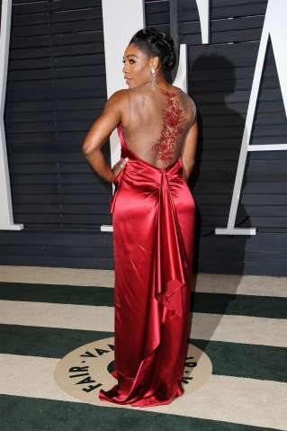 Serena Williams attends the 2015 Vanity Fair Oscar Party