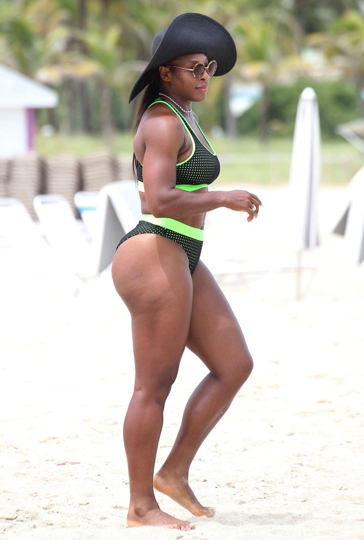 Serena flaunts her summer body.