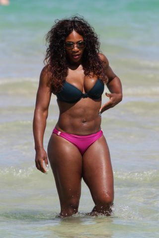 Serena Williams in a mismatched bikini at the beach