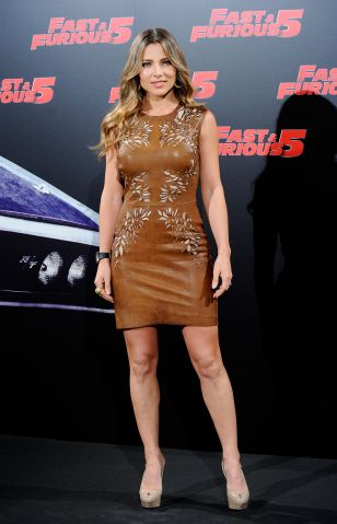Elsa Pataky attends a photocall for 'Fast & Furious 5'