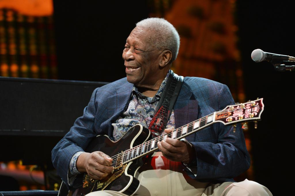 B.B. King at Eric Clapton's Crossroads Guitar Festival 2013