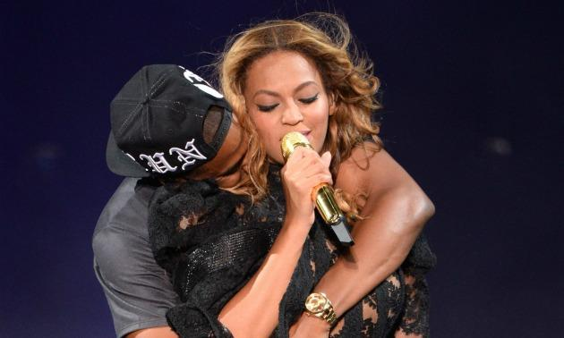 "Jay And Bey ""On The Run"""
