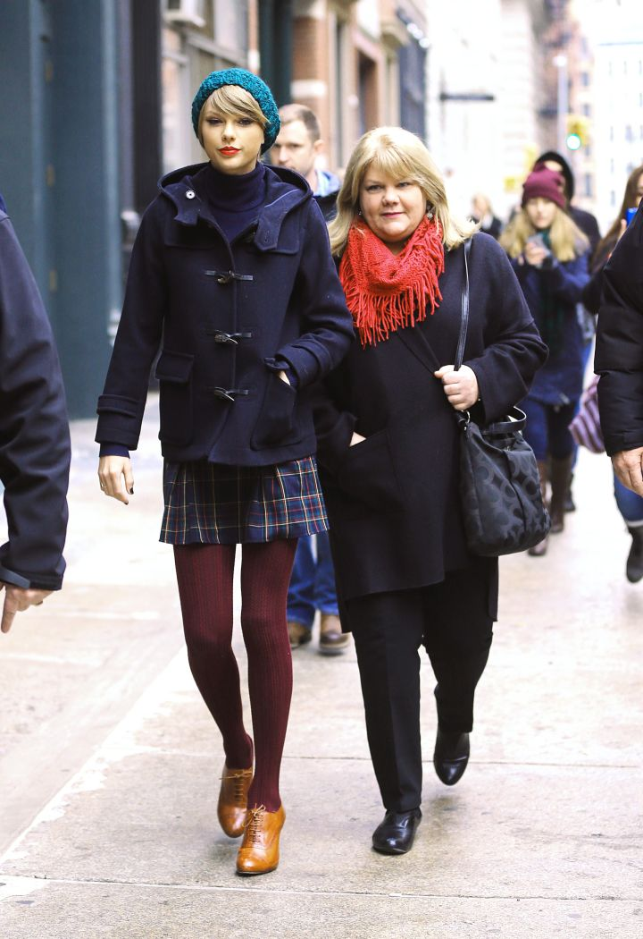 Taylor and Momma Finlay Take NYC.