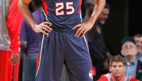 Thabo Sefolosha playing during Atlanta Hawks vs Charlotte Hornets game