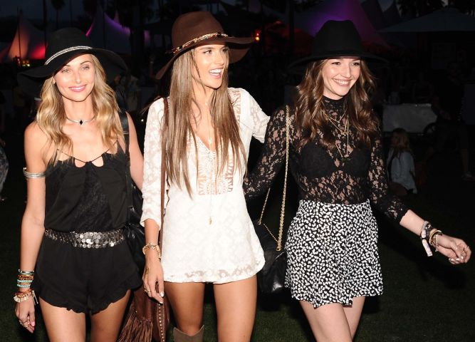 Alessandra Ambrosio & girlfriends spotted on the 1st day of Coachella