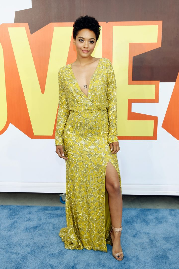 Kiersey Clemmons shined in yellow.