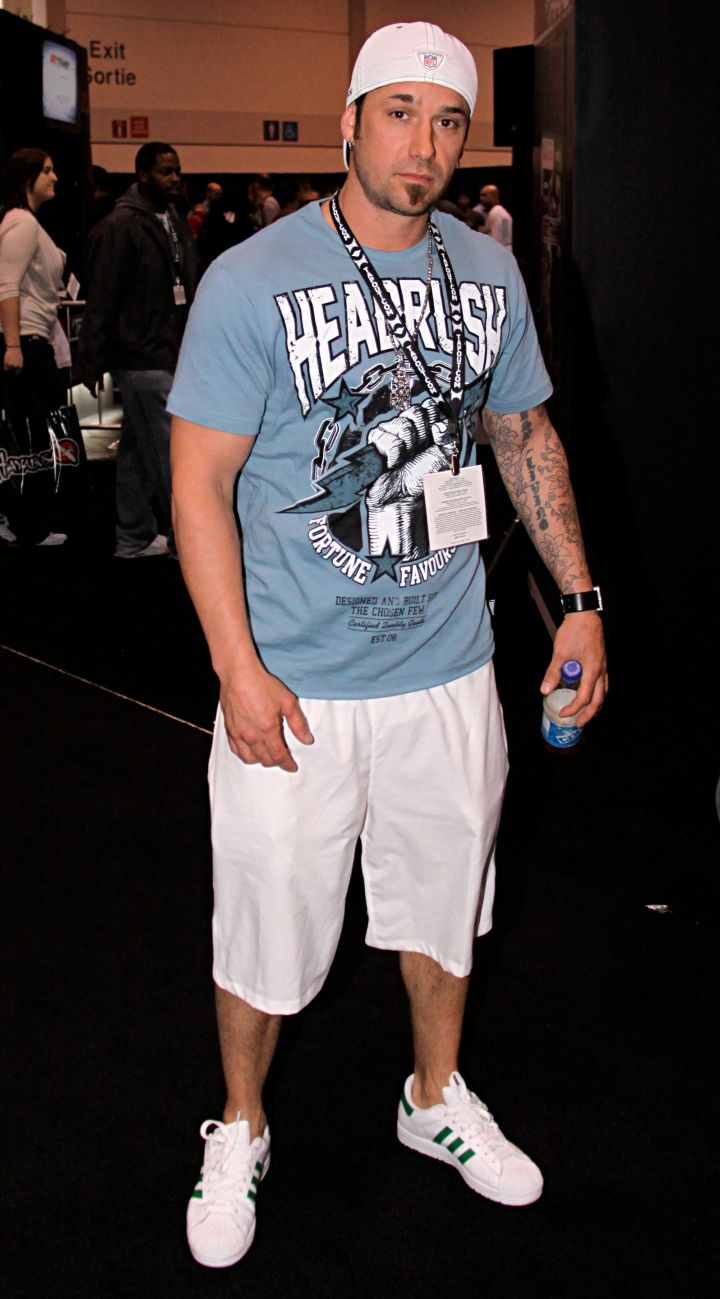 And Justin's father Jeremy is an absolute hunk.