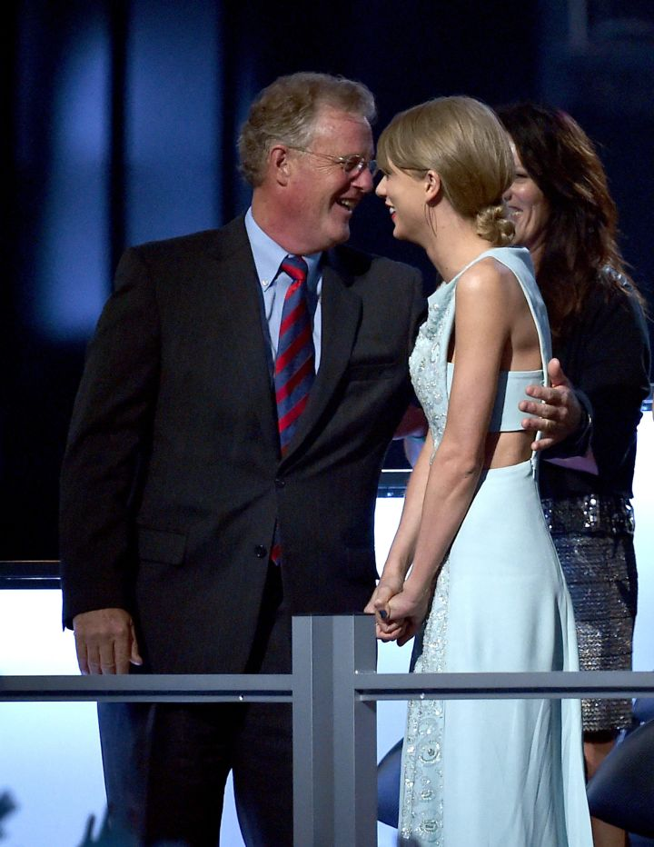 Tay Swift's dad, Scott Kingsley Swift, was also there and was also super proud of his baby girl.