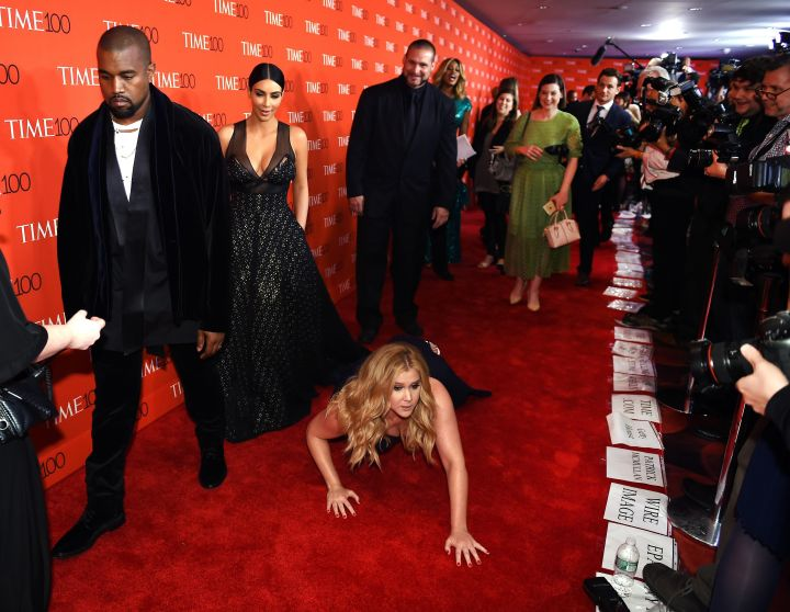 Amy Schumer's hilarious stunt on the red carpet.