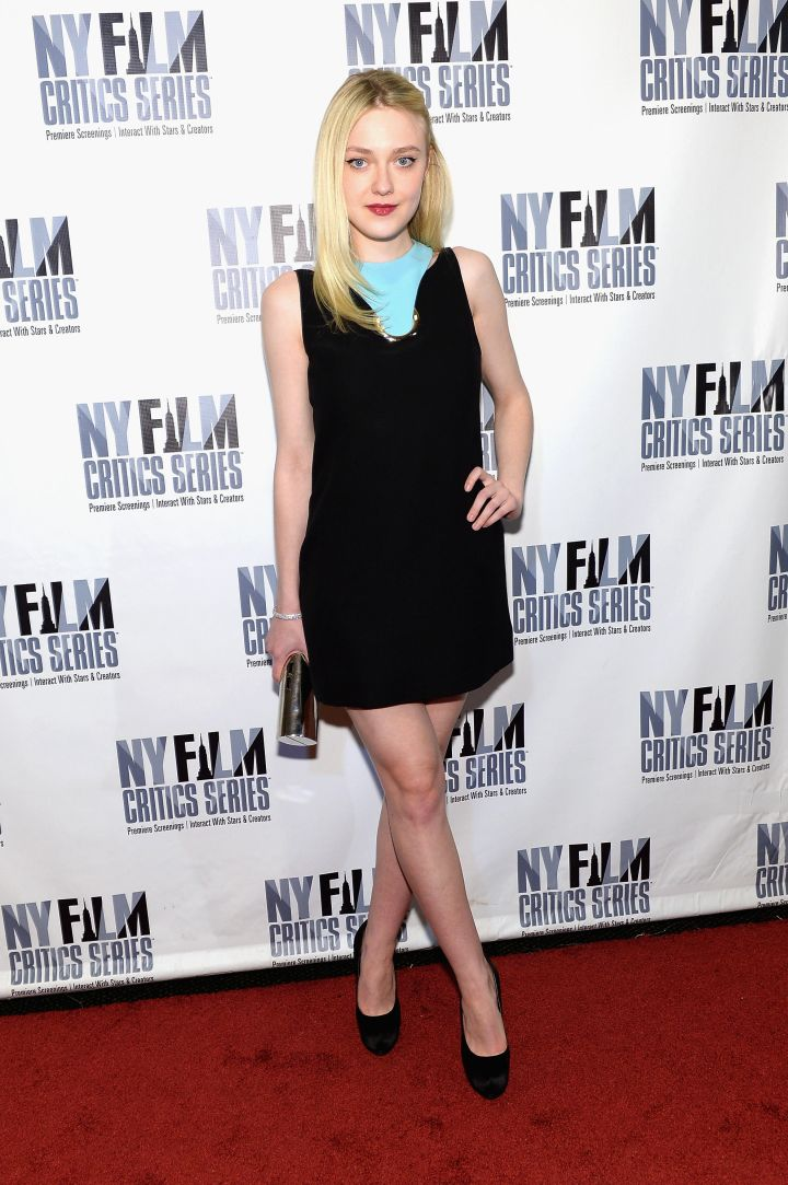 """Dakota Fanning shows us how to work it at the """"Every Secret Thing"""" premiere in NYC."""