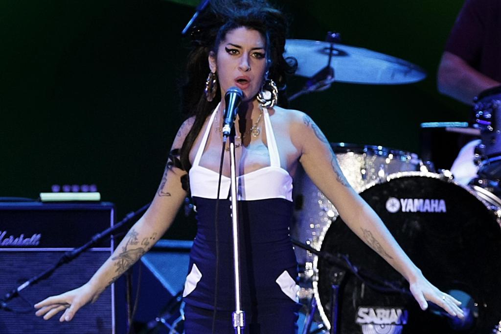 Amy Winehouse Plays Sao Paulo