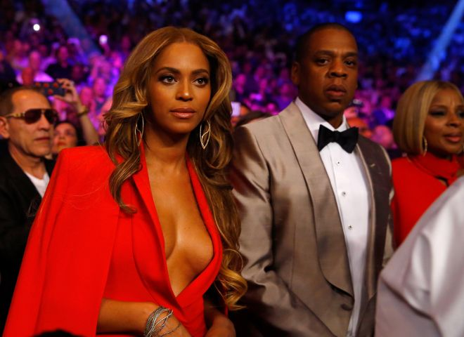 Beyonce & Jay Z attend the Floyd Mayweather/Pacquiao fight in Las Vegas