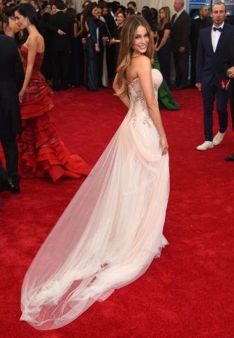 Celebrities Arrive at the 2015 MET Gala