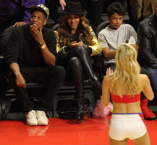 Jay Z and Beyonce at Clippers/Cavaliers game