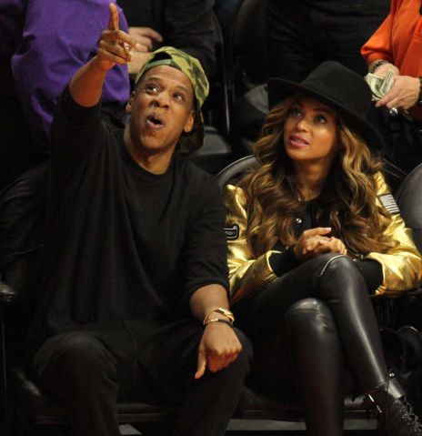 Jay Z and Beyonce at basketball game