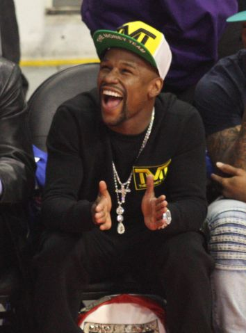 Floyd Mayweather at the Clippers game six
