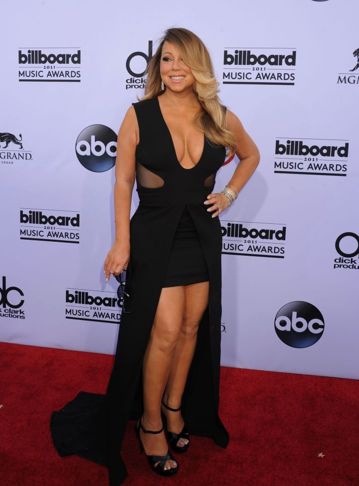 Mariah Carey was beautiful in a plunging black dress.