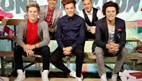 One Direction Fans Leave Hundreds Of Love Notes Beside Boy Band's Wax Figures At Madame Tussauds New York