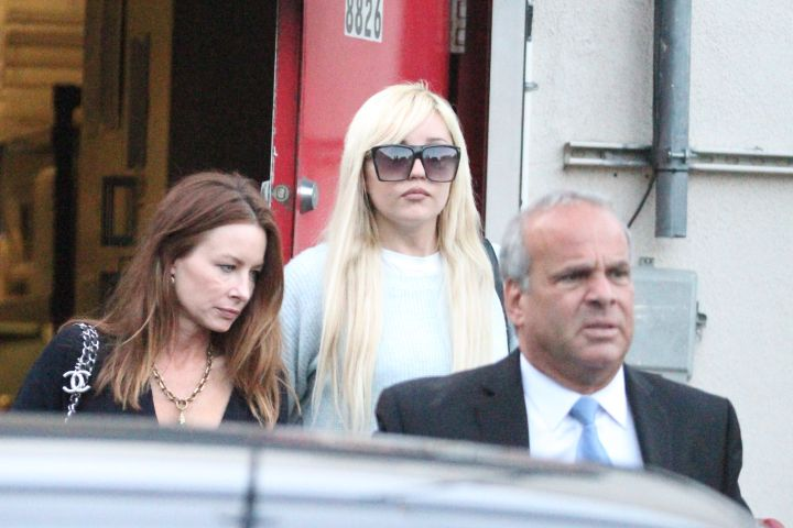 Amanda Bynes had a blonde moment as she left Craig's eatery in West Hollywood.