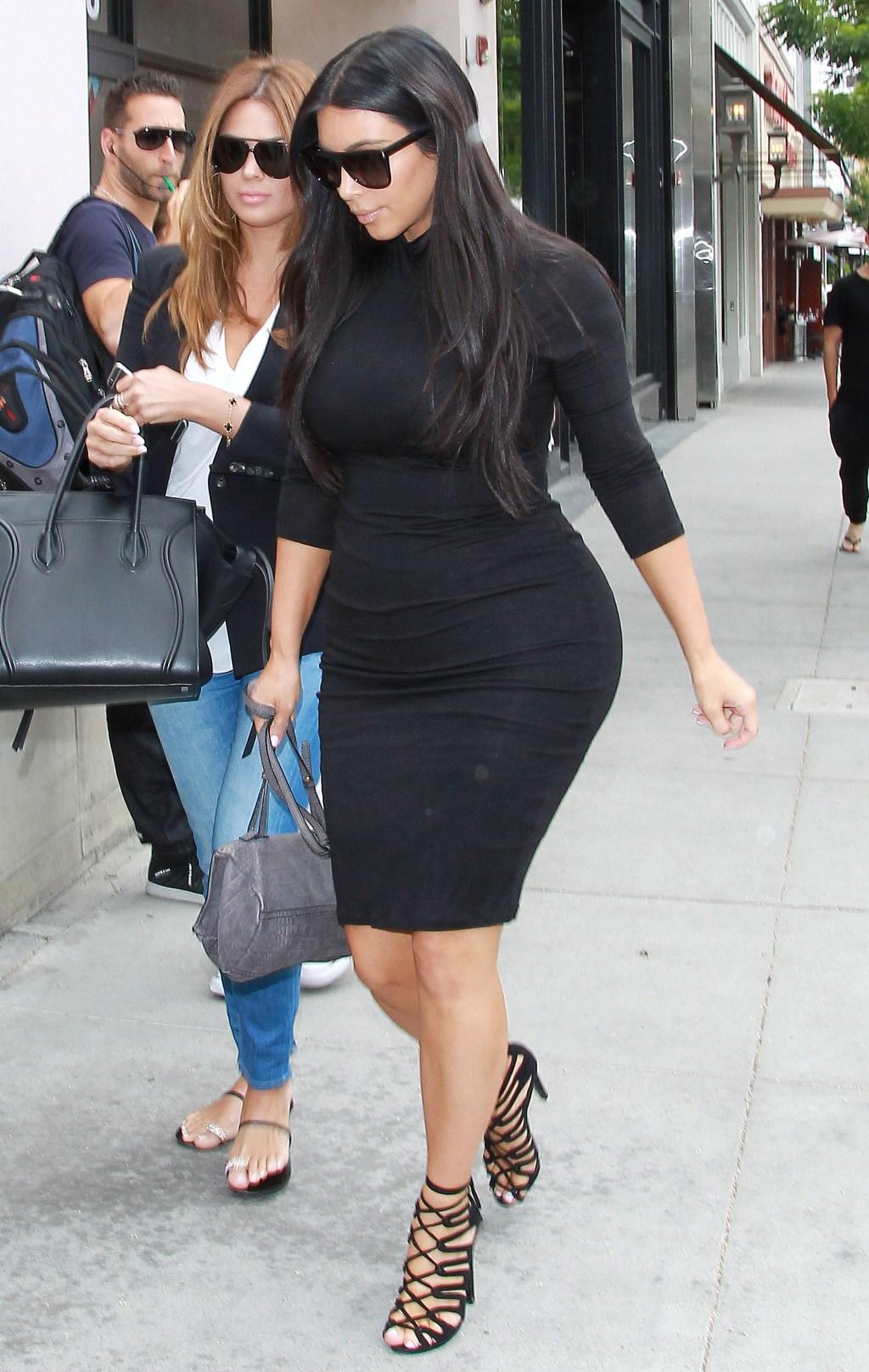 Kim Kardashian goes Shopping