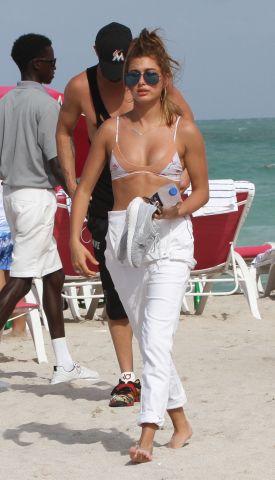 Hailey Baldwin Bikini