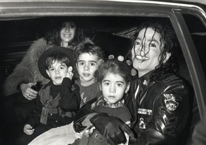 MJ was a proud owner of a 2,700-acre Neverland Ranch that has a theme park, a menagerie, and a movie theater.