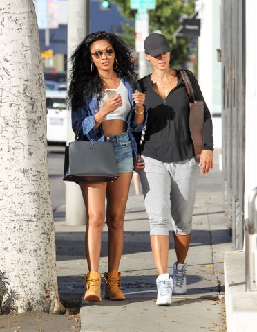 Bria and Nicole Murphy shop