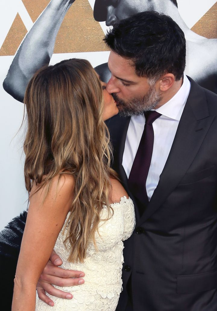 Love birds Sofia Vergara and Joe Manganiello got kissy on the carpet.