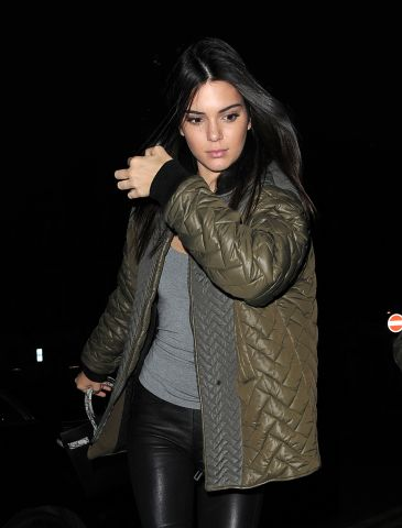 Kendall Jenner arrives back at her hotel after a night out at Chiltern Firehouse with a male friend. London. UK