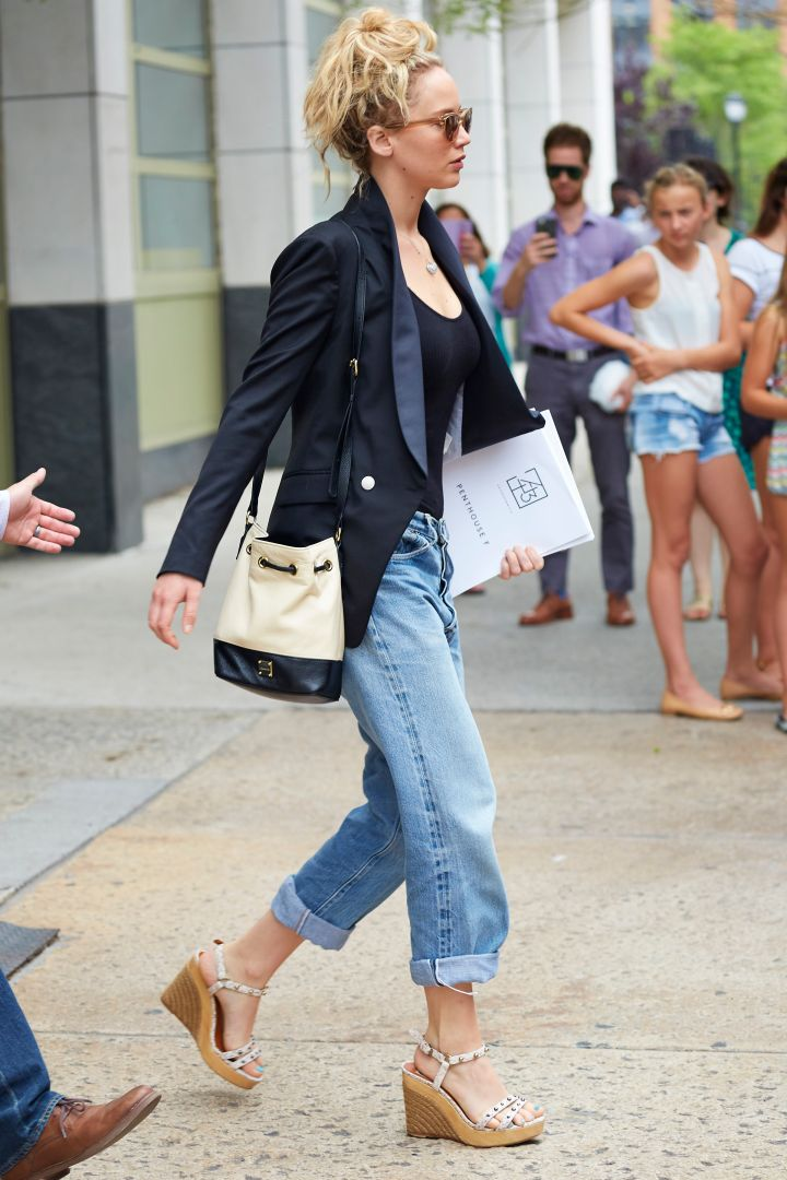 Look out, New York! Jennifer Lawrence was spotted apartment shopping in the Tribeca neighborhood of NYC.