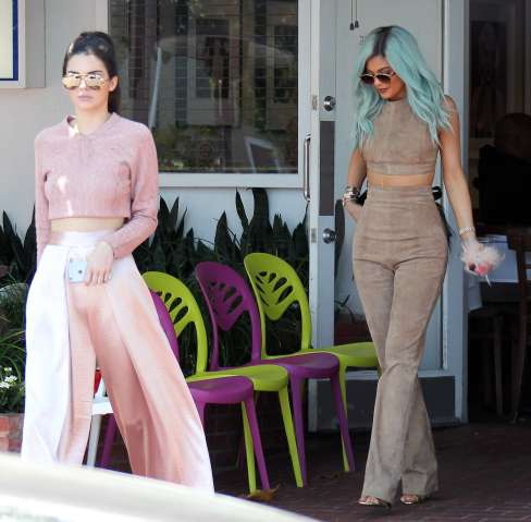 Kylie Jenner and Kendall Jenner go to lunch in West Hollywood