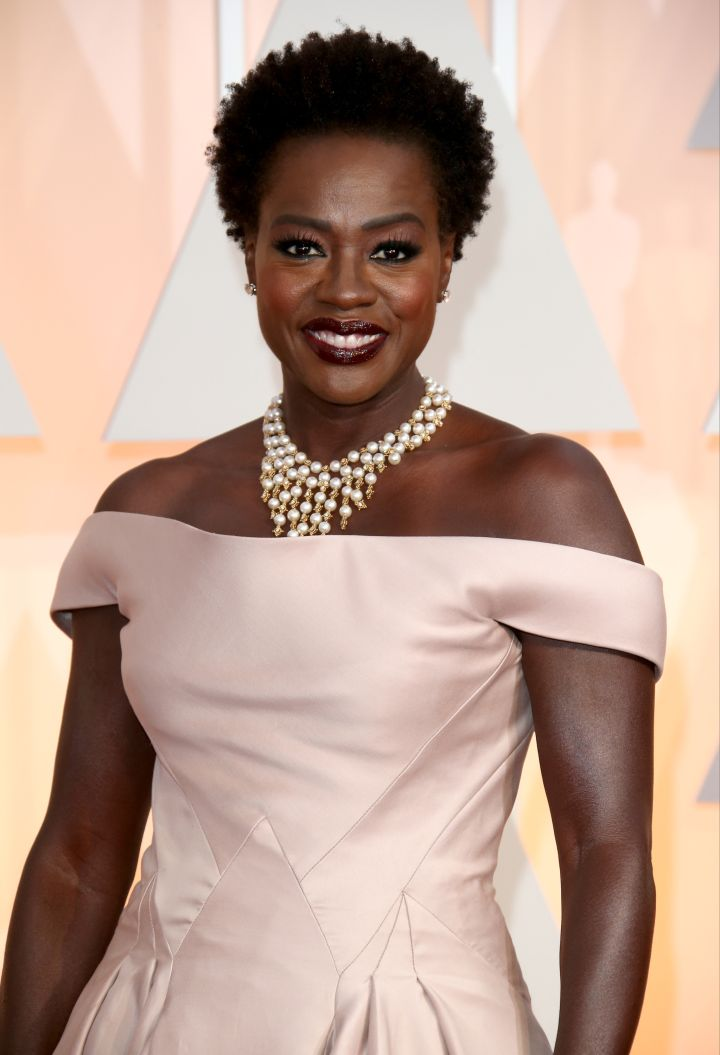 Natural beauty Viola Davis flashes a great smile.