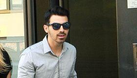 Joe Jonas, Gigi Hihad