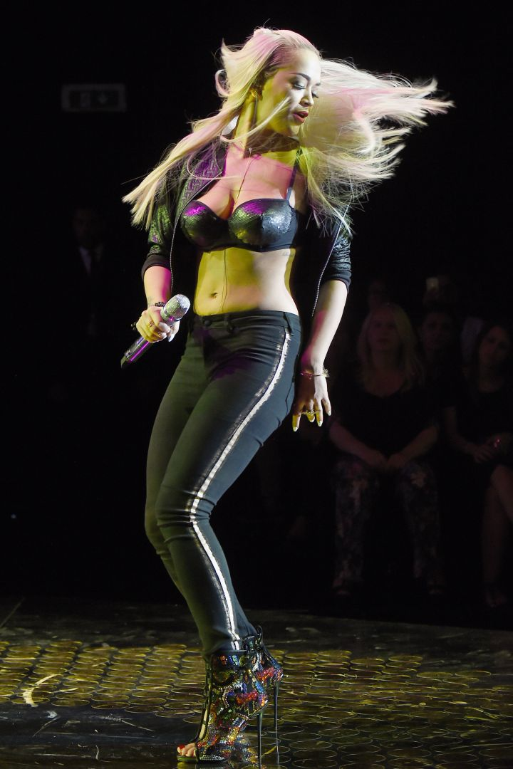 That Hilfiger boy should be mad right now. His ex Rita Ora was looking so good during a recent performance.