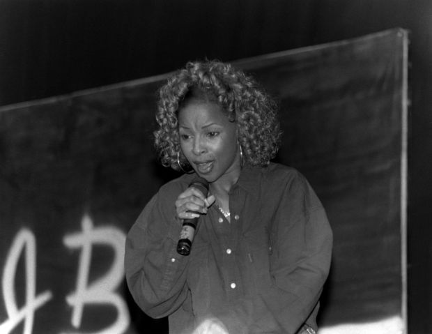 Mary J. Blige performing in 1992