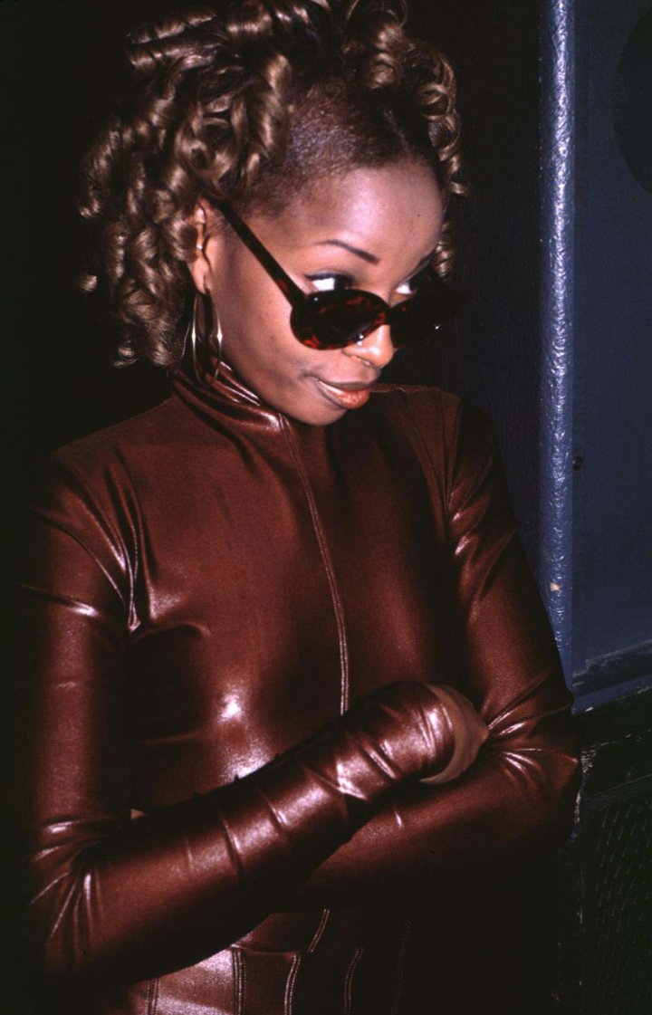 The R&B goddess takes a stance at the 7th Annual New York Music Awards.