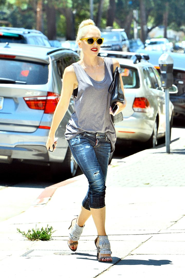 Gwen Stefani looked radiant while out running errands in Studio City on Tuesday afternoon.