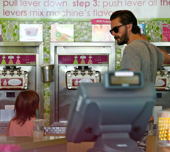 Scott Disick knows there's nothing like taking your son Mason for a little Fro-Yo at Menchie's in Calabasas.