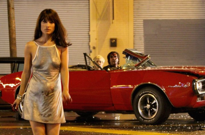 """Olivia Wilde sports a fake baby bump while filming a disturbing scene for HBO series """"Vinyl."""""""