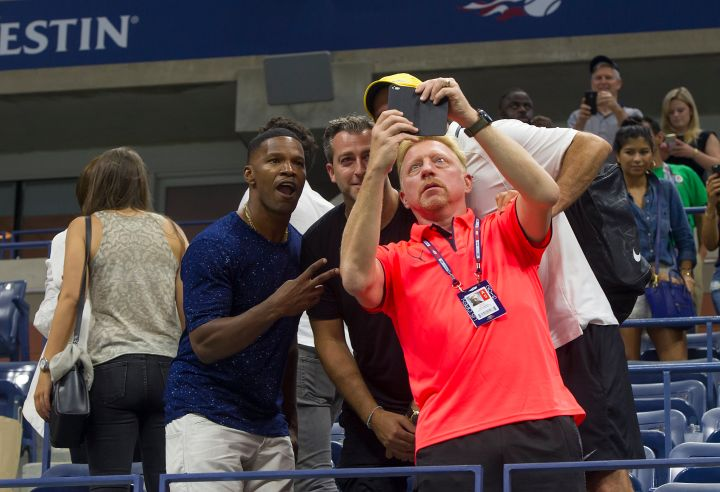 How great is this picture of Jamie Foxx and former tennis player Boris Becker taking a selfie at the US Open?