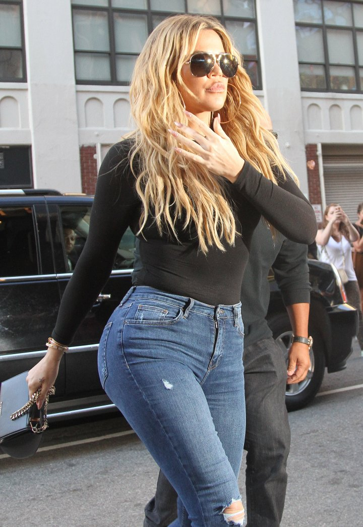 Now: Hate her or love her, how hot does Khloe look, though?