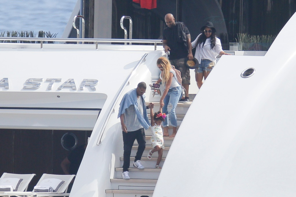 Beyonce, Jay Z, Blue Ivy Carter in the South of France