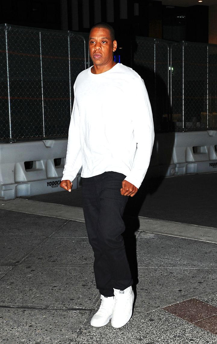 Hard-working Hov was spotted leaving his office in NYC.