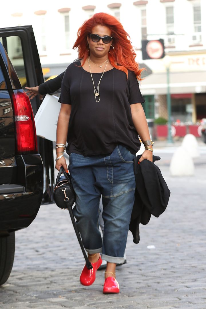 A very pregnant Kelis was spotted this afternoon after leaving a Huff Post interview and arriving at Soho House in the Meatpacking District.
