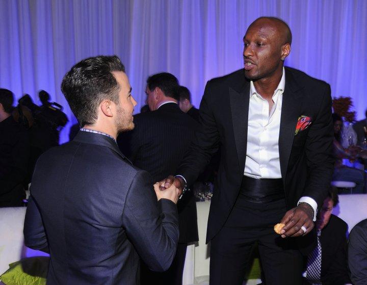 Kevin Jonas gave L.O a firm hand shake