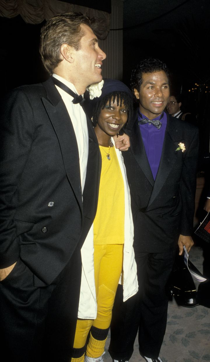 Whoopi Goldberg chatted with fellow actors before hitting the carpet at the 1986 Golden Globes.