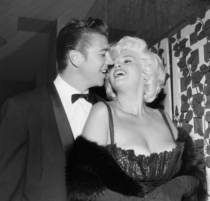 Jayne Mansfield and Mickey Hargitay showed major affection backstage in 1958.